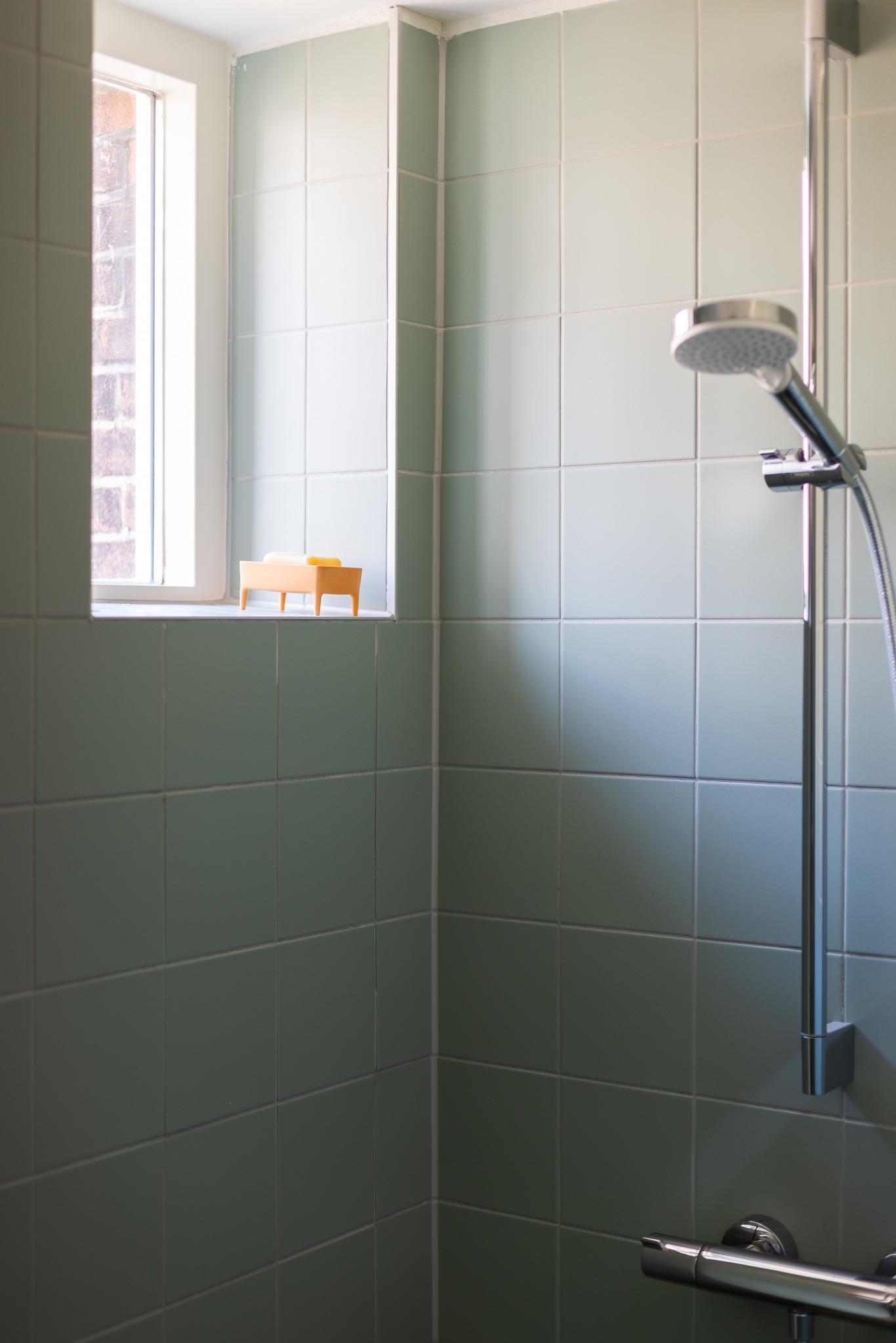 bubblebuddy_interiorshot_lowress_vertical_orange.jpg