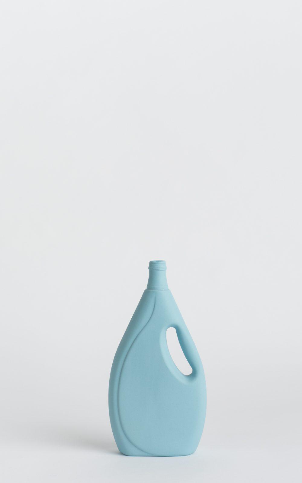 foekjefleur_bottlevases#7_lightblue_front