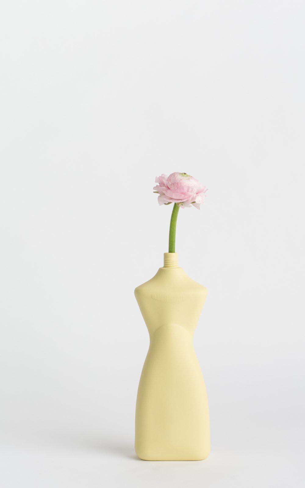 foekjefleur_bottlevases#8_freshyellow_flower
