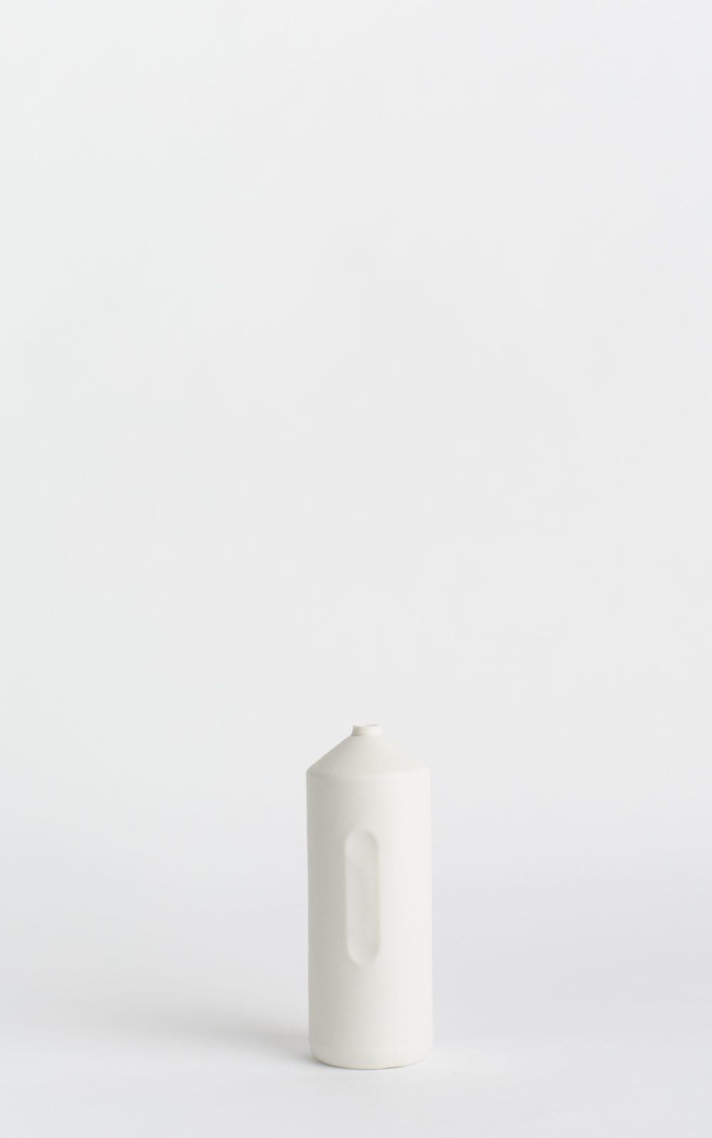 foekjefleur_bottlevases#2_white_front
