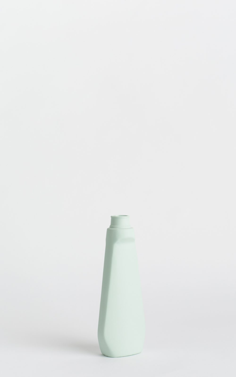 bottle vase #4 mint
