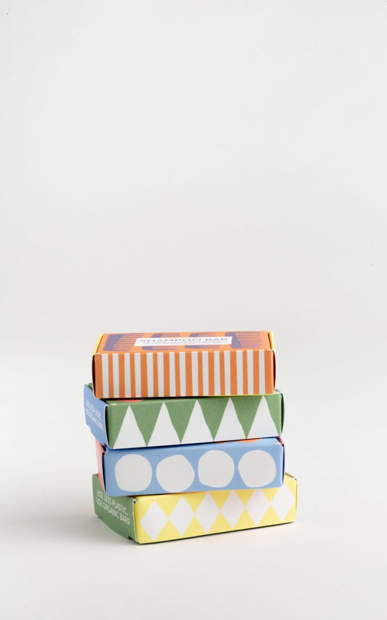 Organic soap bars + soapdish that can replace every (plastic) bottle in your home.